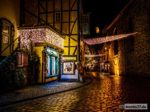 #0092 - Weihnachtsstimmung in Monschau - Put your Lights on (Santata)