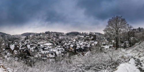 P0140 - Panoramaweg im Winter in Monschau - Snowball (Associates)