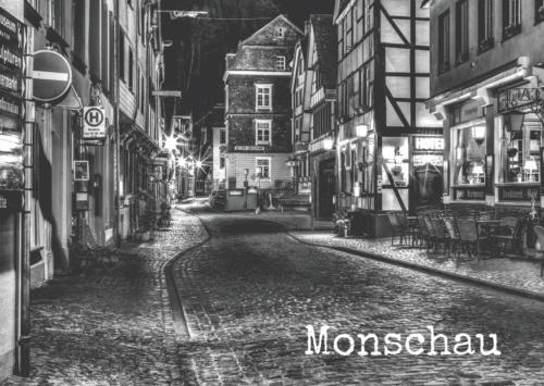 #0003 – Monschau Stadtstraße in der Nacht - The Nightly (Fagen)
